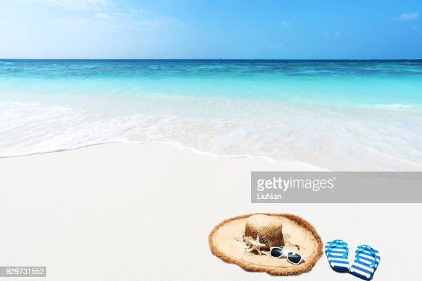 beach holidays - flip flops stock pictures, royalty-free photos & images