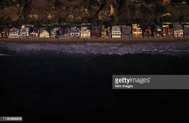 beach homes on california coast near malibu - malibu stock pictures, royalty-free photos & images