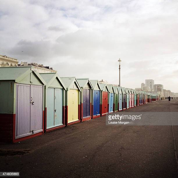 beach huts, hove - hove stock pictures, royalty-free photos & images