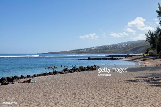 playa de saint-leu de la reunion - isla reunion fotografías e imágenes de stock