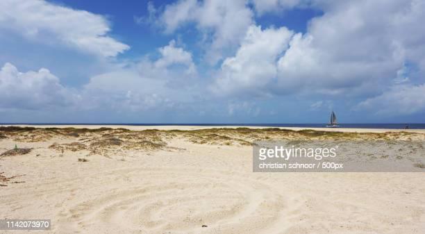beach of santa maria - cabo verde fotografías e imágenes de stock