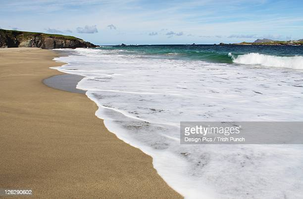 beach on blasket island off the coast of kerry in munster region - great blasket island stock pictures, royalty-free photos & images