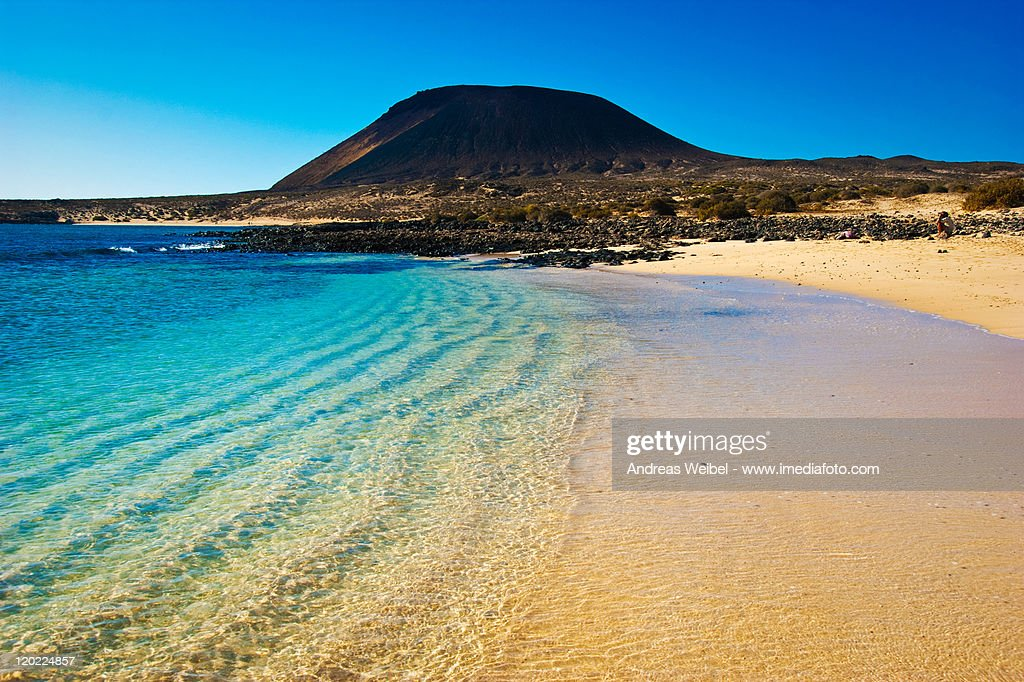 Beach on La Graciosa island : Foto de stock