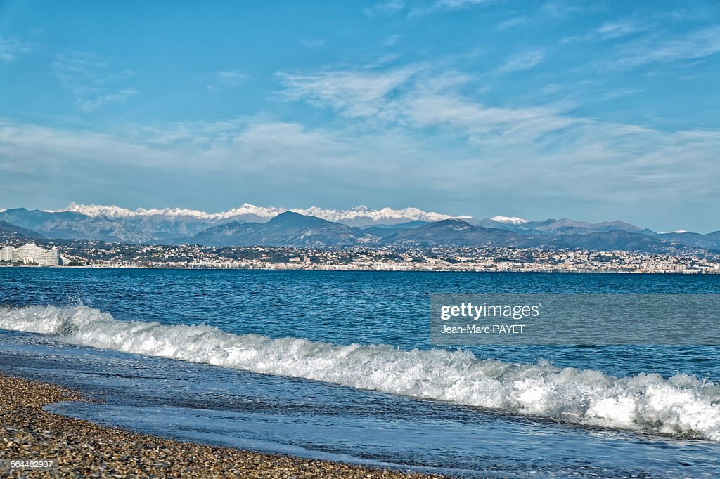Beach on the french riviera in winter : Photo