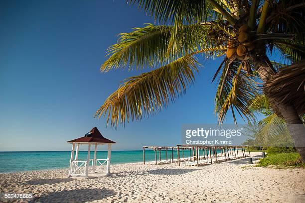 Beach paradise at Playa La Jaula beach, Cayo Coco, Cuba.