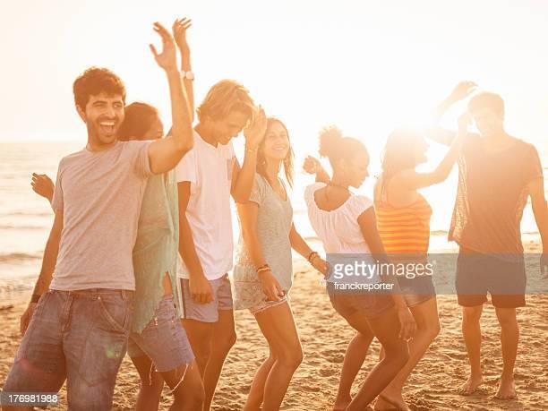 Fiesta en la playa de verano