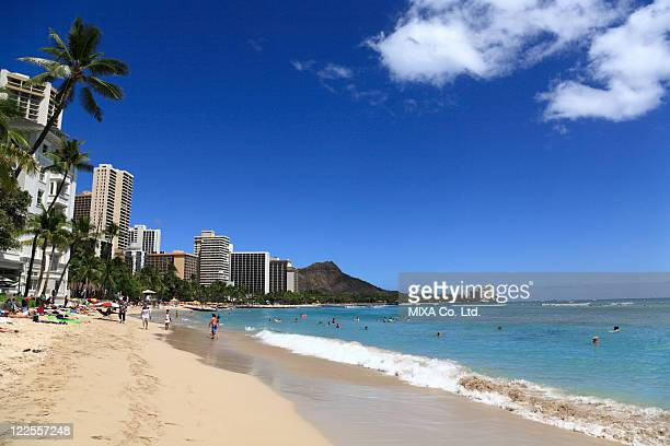 beach resort, honolulu, hawaii, u.s.a. - ダイヤモンドヘッド ストックフォトと画像