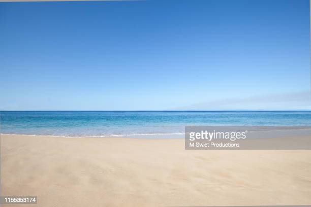 beach sand and sea - beach stockfoto's en -beelden
