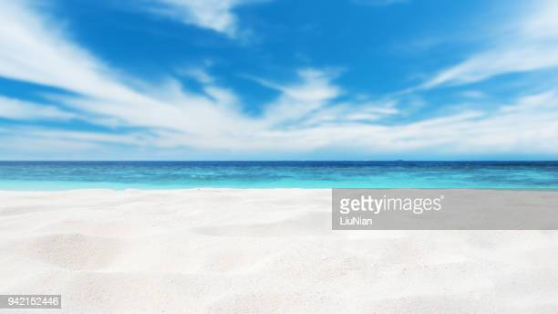 beach sand copy space scene - water's edge stock pictures, royalty-free photos & images