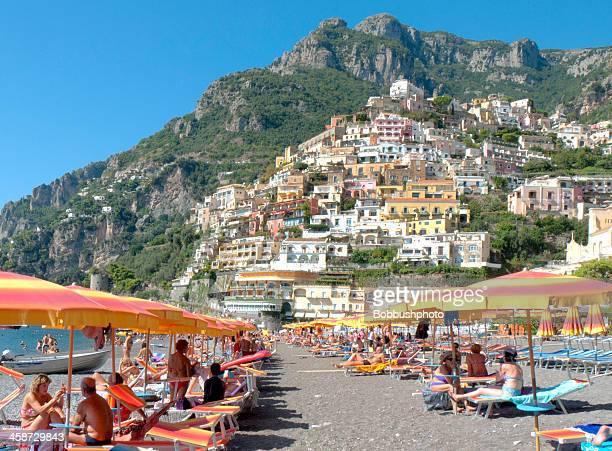 escenario de playa, positano, italia - positano fotografías e imágenes de stock