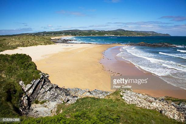 beach scenic; culdaff beach, county donegal, ireland - county donegal stock photos and pictures