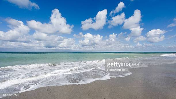Beach scenics with waves and beautiful cloudscape (XL)