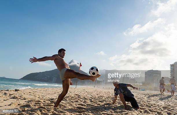 ビーチサッカー - ビーチサッカー ストックフォトと画像