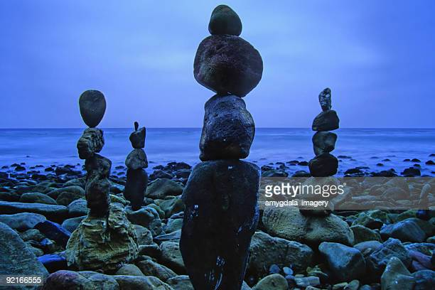 beach stones balanced - malibu beach stock pictures, royalty-free photos & images