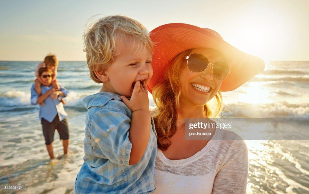 Plage + soleil + fun = été : Photo