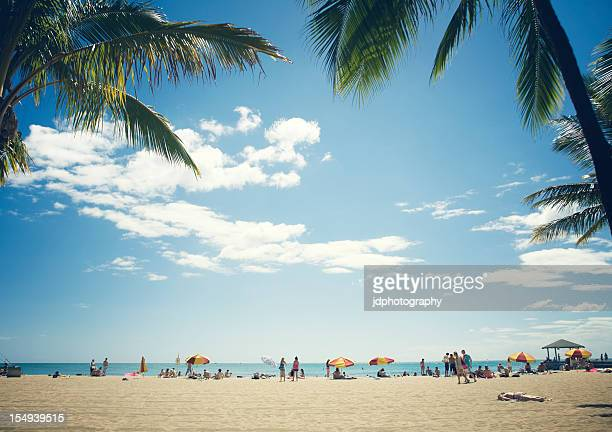 beach time - waikiki stock pictures, royalty-free photos & images