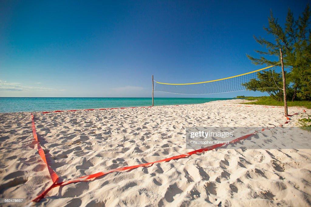 A beach volleyball court set up beside the ocean on Playa La Jaula beach, Cayo Coco, Cuba. : Stock Photo