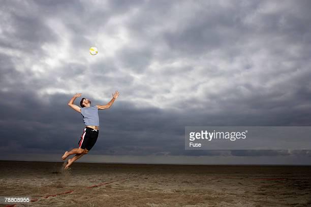 beach volleyball player - strand volleyball der männer stock-fotos und bilder