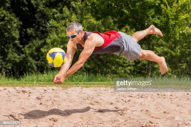 beach volleyballer