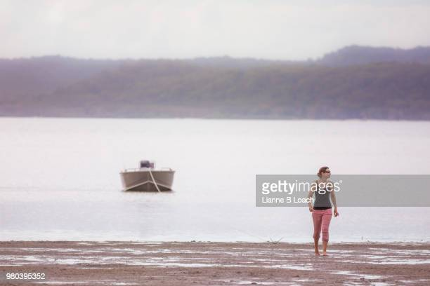 beach walk 7 - lianne loach stock pictures, royalty-free photos & images