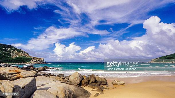 beach with granite boulders - hainan island stock pictures, royalty-free photos & images