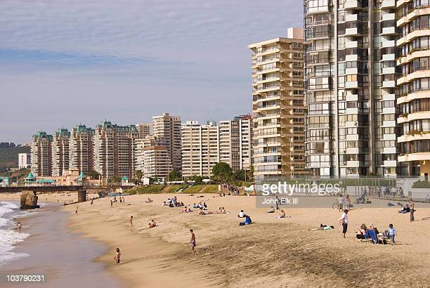 beach with high-rise apartments and hotels. - vina del mar stock pictures, royalty-free photos & images