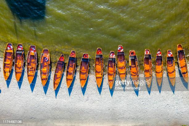 beached boats - overhead view stock pictures, royalty-free photos & images