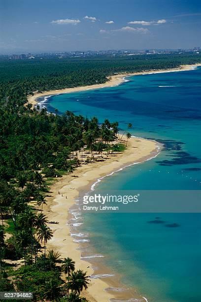 beaches of puerto rico's northside - paisajes de puerto rico fotografías e imágenes de stock