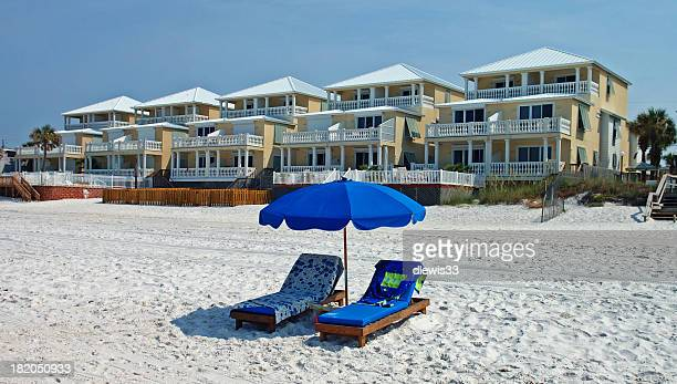 beachfront property - panama city beach stock pictures, royalty-free photos & images