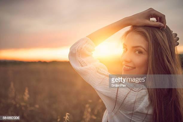 beaming beauty - charmoso - fotografias e filmes do acervo
