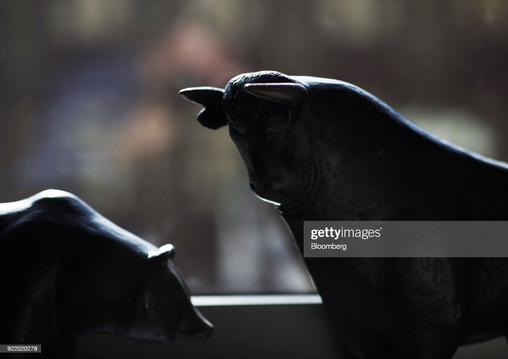 Bear and a bull statues sit on a windowsill following a news conference to announce the Deutsche Boerse AG earnings at the Frankfurt Stock Exchange in Frankfurt, Germany, on Wednesday, Feb. 21, 2018. Deutsche Boerse will present a three-year plan at end of May, Chief Executive Officer Theodor Weimer said. Photographer: Alex Kraus/Bloomberg via Getty Images