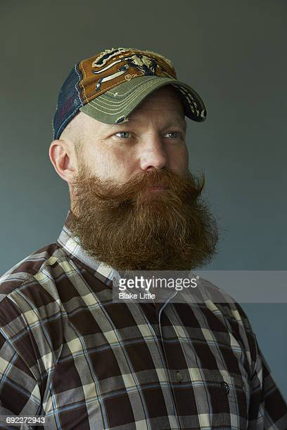 bearded man profile w ball cap - hillbilly stock pictures, royalty-free photos & images