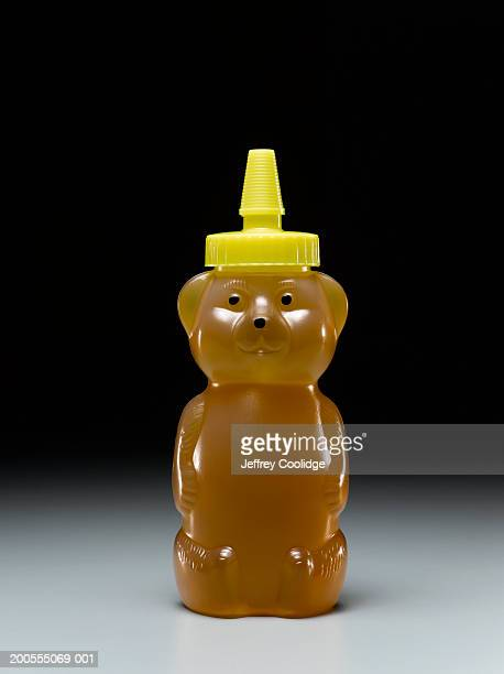 Bear-shaped honey bottle