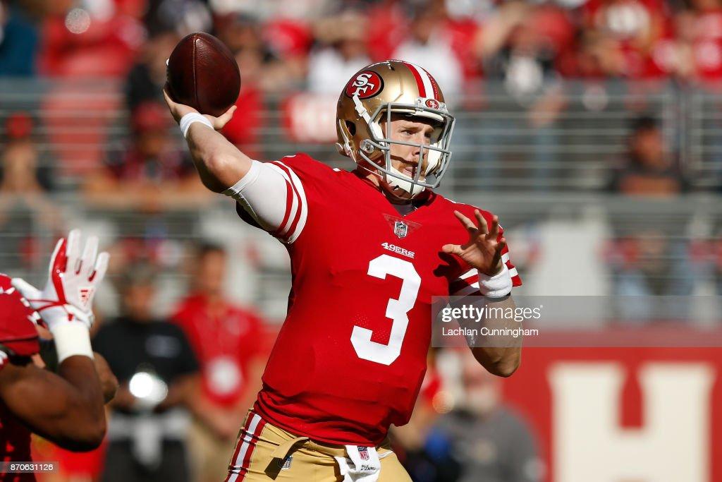 Arizona Cardinals vs San Francisco 49ers : News Photo