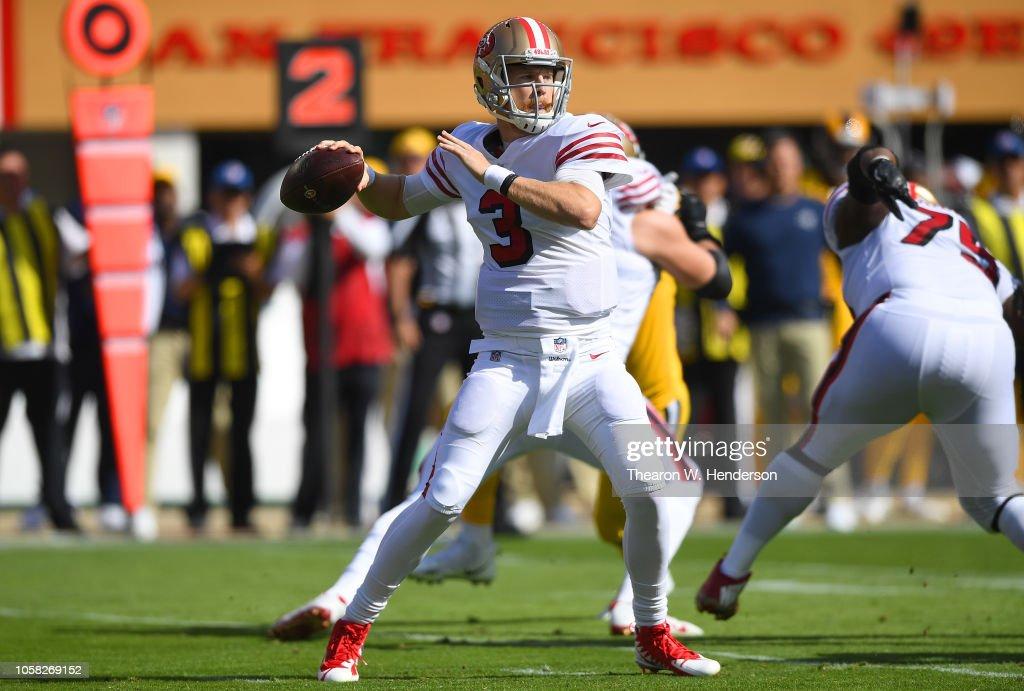 Los Angeles Rams v San Francisco 49ers : Fotografia de notícias