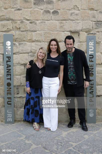 Beathrice Thomas Anne de Carbuccia and Arghael Chatoux attend One Planet One Future Cocktail Party on June 22 2018 in Naples Italy