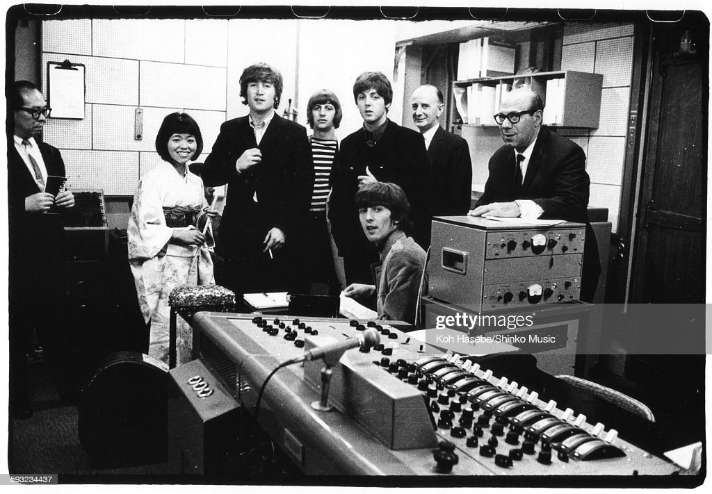 Beatles At EMI Studio : News Photo