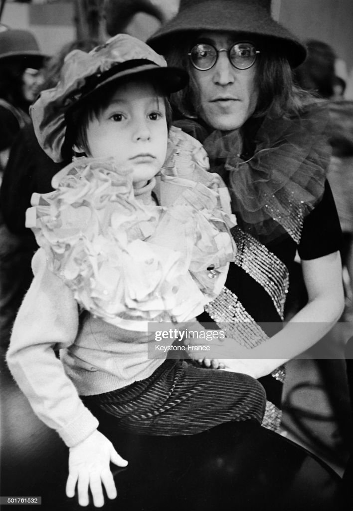 Beatles John Lennon With Son Julian During The Filming Of Rolling Stones Movie