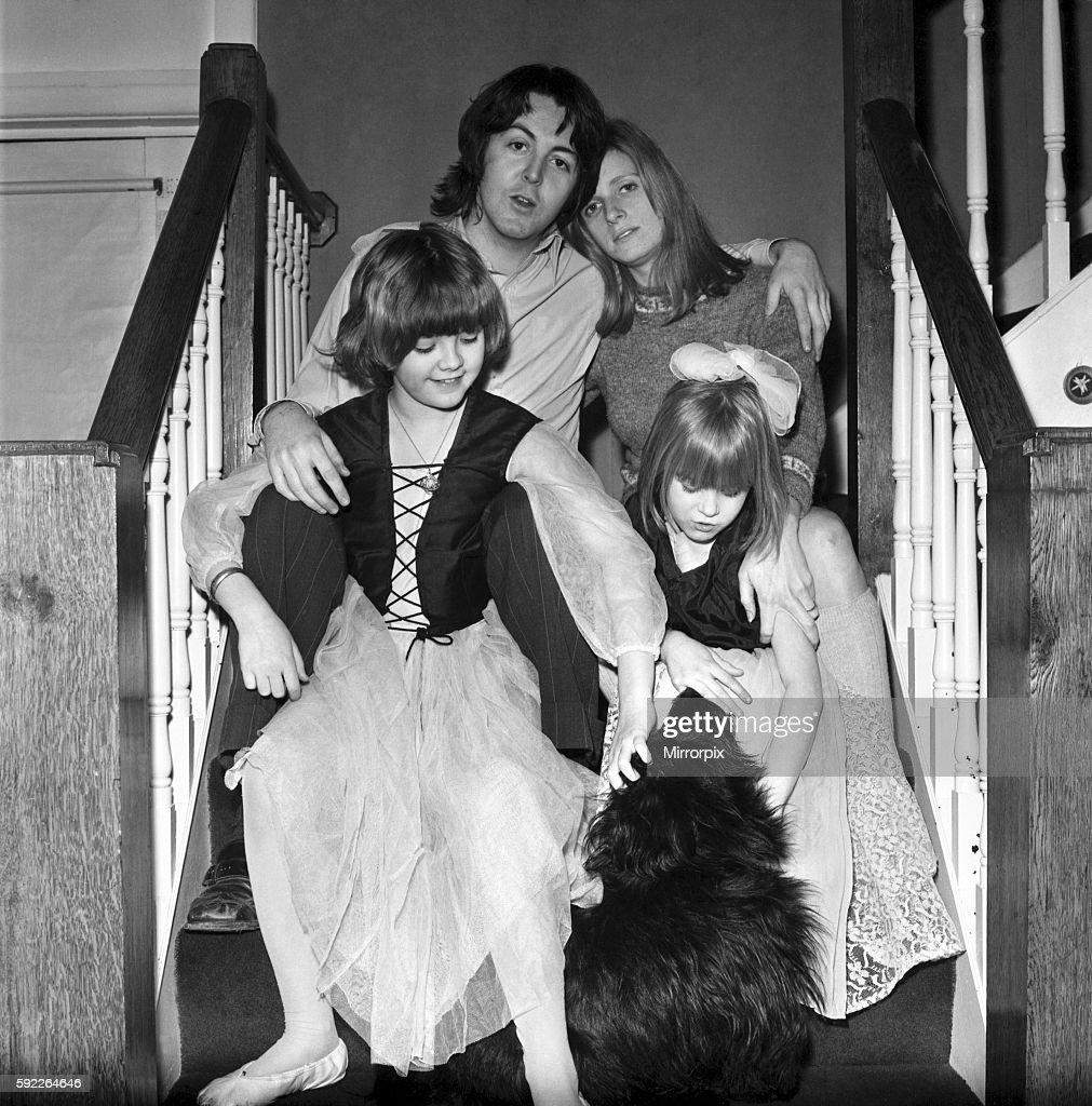 Beatles Singer Paul McCartney With His New Bride Linda Eastman And Children Aged 4