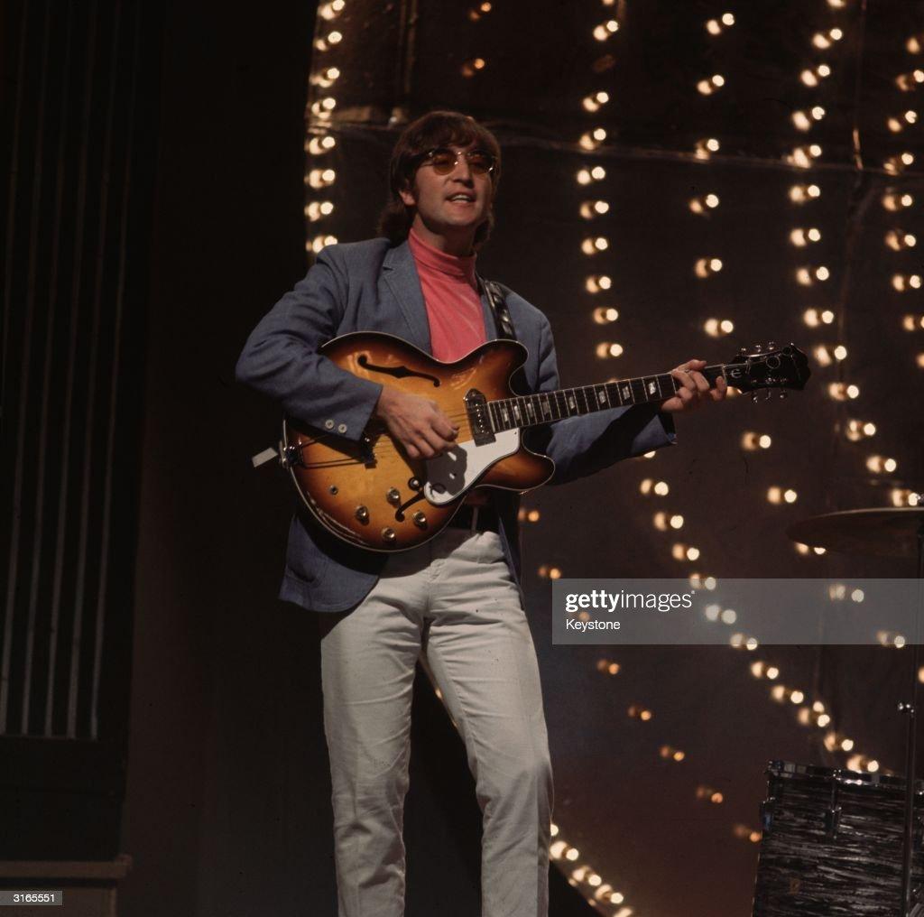 Lennon : News Photo