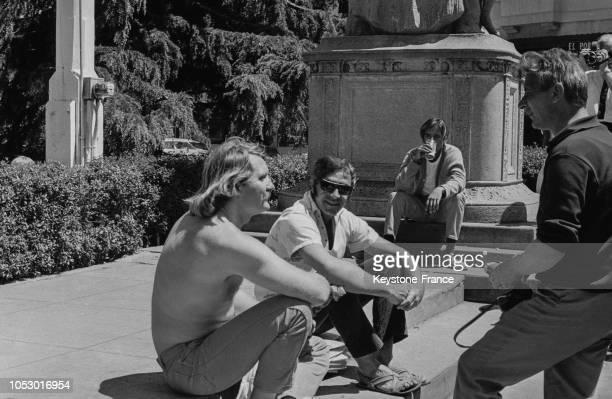 Beatnik dans un square de San Francisco, Californie, Etats-Unis, le 19 juillet 1967.