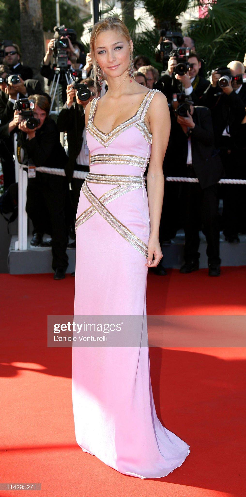 "2006 Cannes Film Festival - ""Marie Antoinette"" Premiere : News Photo"