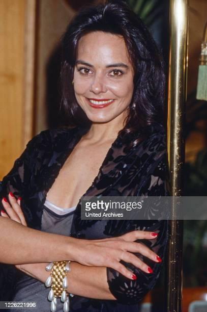 """Beatrix Bilgeri, österreichische Schauspielerin in der Fernsehserie """"Der Schattenmann"""", Deutschland 1994"""