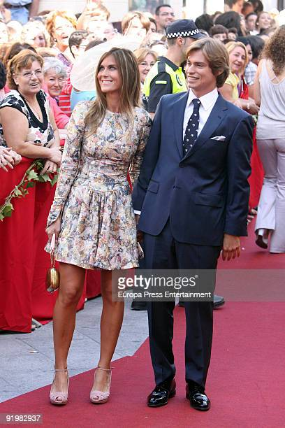 Beatriz and Carlos Baute attend the wedding of Pastora Soler and Francis Vinolo on October 17 2009 in Seville Spain