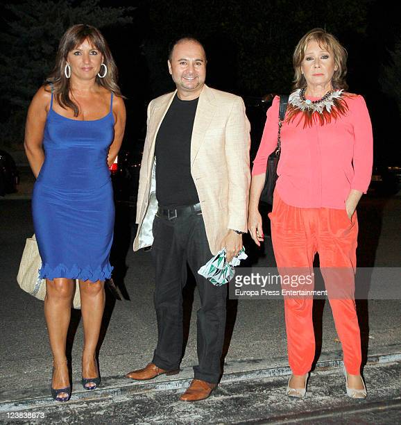 Beatriz Cortazar Sergio Alis and Mila Ximenez pose during Spanish Tv presenter Terelu Campos birthday on September 3 2011 in Madrid Spain