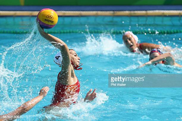 Beatriz Ortiz Munoz of Spain shoots during the Preliminary Round Group B Womens Waterpolo match between Spain and the USA on Day 4 of the Rio 2016...