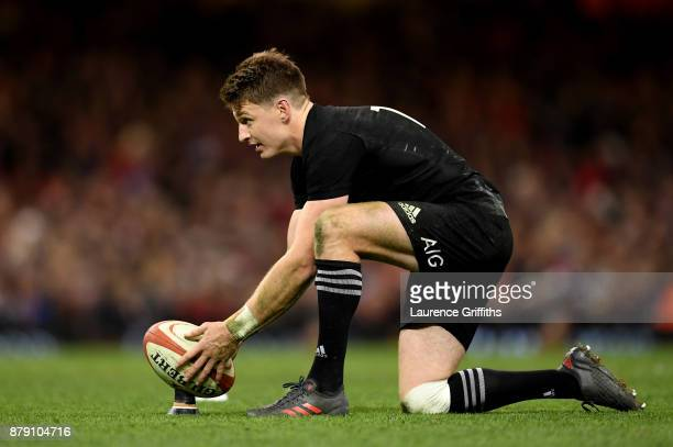Beauden Barrett of New Zealand kicks a penalty during the International match between Wales and New Zealand at Principality Stadium on November 25,...