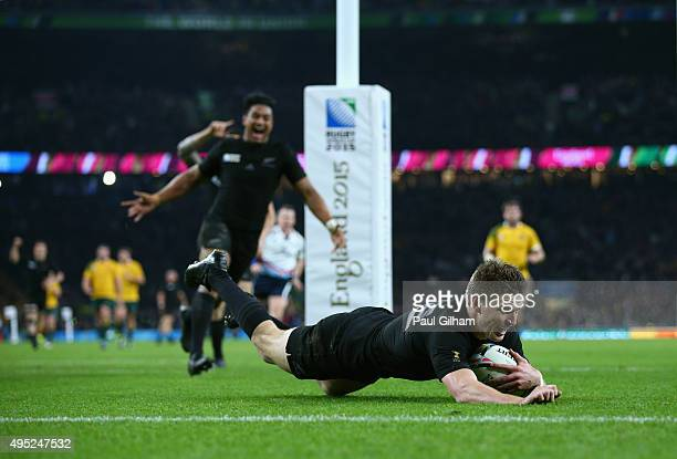 Beauden Barrett of New Zealand scores his team's third try during the 2015 Rugby World Cup Final match between New Zealand and Australia at...