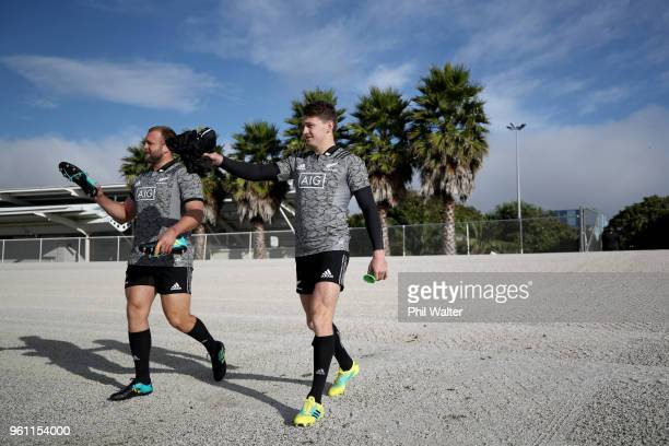 Beauden Barrett of the All Blacks arrives for a New Zealand All Blacks training session at Auckland Blues HQ on May 22 2018 in Auckland New Zealand