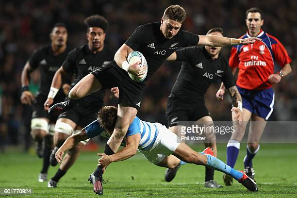 Beauden Barrett of the All Blacks makes a break during the Rugby Championship match between the New Zealand All Blacks and Argentina at Waikato...